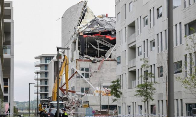 Училище в Белгия рухна, петима работници са загинали