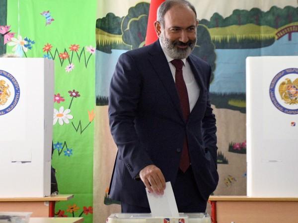 Партията Граждански договор на досегашния премиер на Армения Никол Пашинян