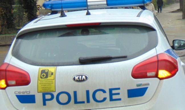 Търсят шофьор, блъснал и убил човек в плевенско село