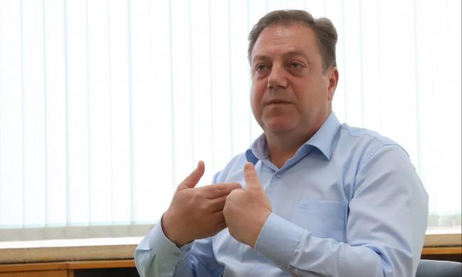 Д-р Маджаров: Има случаи на изхвърляне на една-две дози ваксини