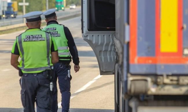 """Пътна полиция с лятната акция """"Ваканция """""""