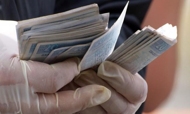 Крадци отмъкнаха оборота на бензиностанция в Кресна