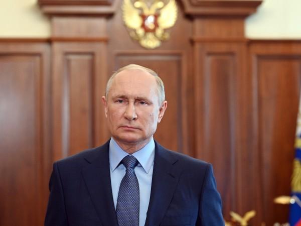 Президентът на Русия Владимир Путин вижда рискове от нова оръжейна