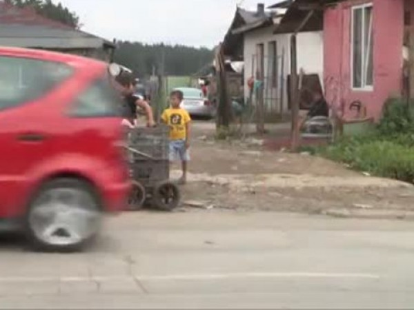 Здравното министерство и медиатори предприемат мерки за ваксиниране на ромското