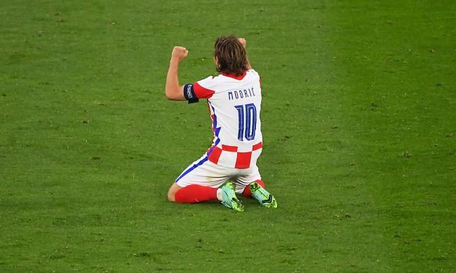 Модрич вкара уникален гол и записа интересен рекорд за Хърватия