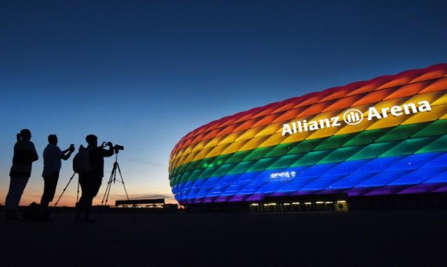 УЕФА: В Мюнхен да забравят за стадион в цветовете на дъгата