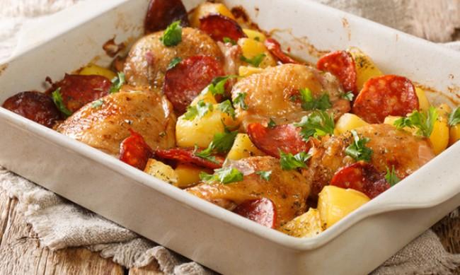 Рецептата Dnes: Пиле с чоризо на фурна
