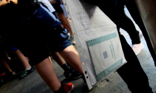 1700 седмокласници днес решават тест по история
