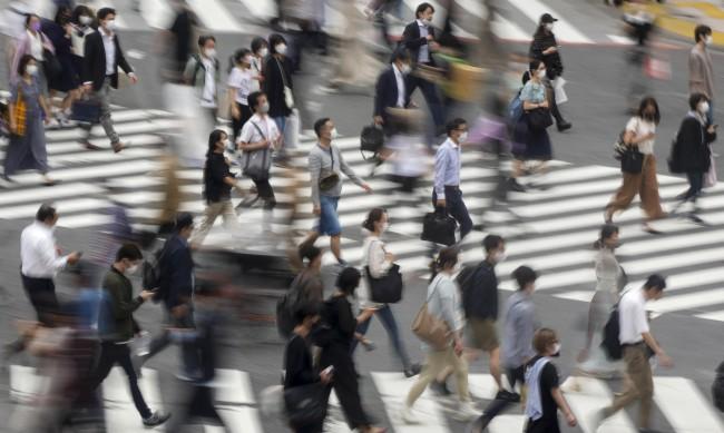 В Япония предлагат 4-дневна работна седмица, за да няма смърт от преумора