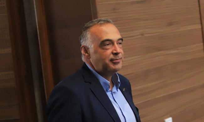 Шефът на ДФЗ съден за измами, но после той осъдил държавата