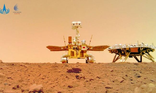 Китай с план да изпрати хора на Марс през 2033 г.