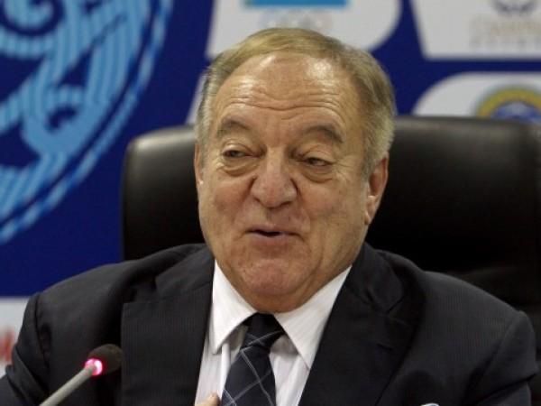 Трима висши ръководители на световните щанги бяха обвинени в покриване