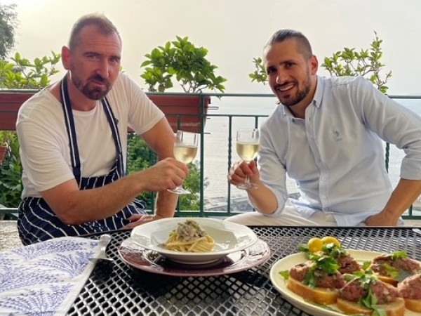 """Новият сезон на обичаното кулинарно предаване """"Ловци на храна"""" се"""