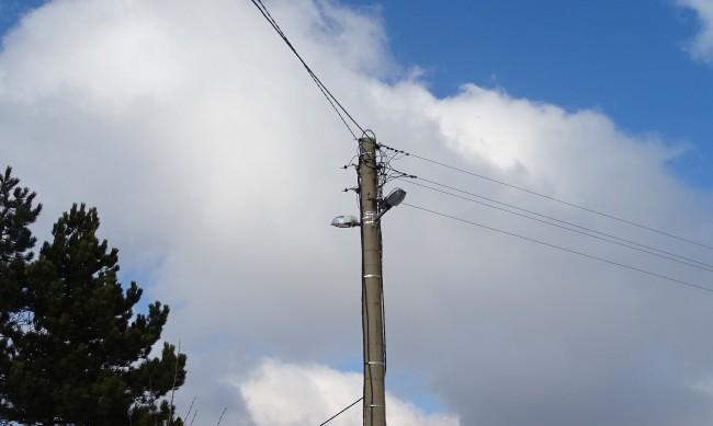 Млад мъж загина от скъсан кабел в Златарица