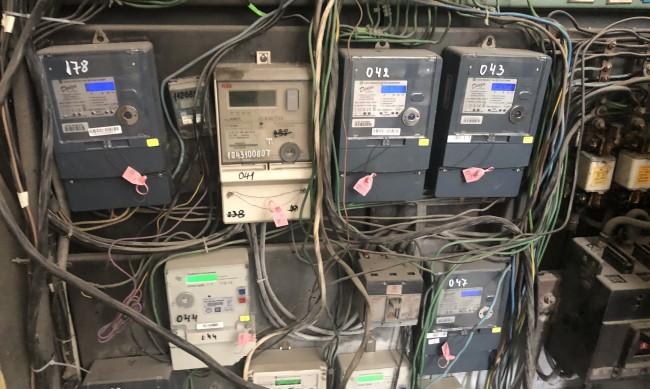 Отчитат извънредно електромерите заради скока в цените на тока