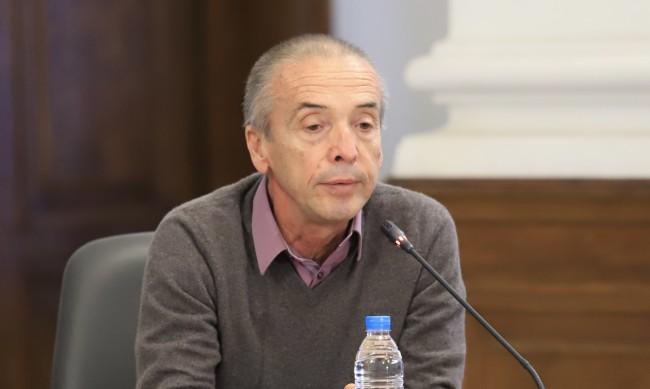 Мангъров: Целта на сертификатите е хората да се ваксинират