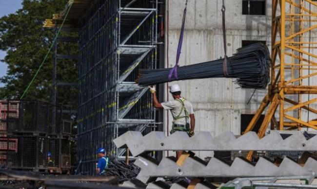 Отлагат изискванията за достъпна среда и поскъпването на новите жилища