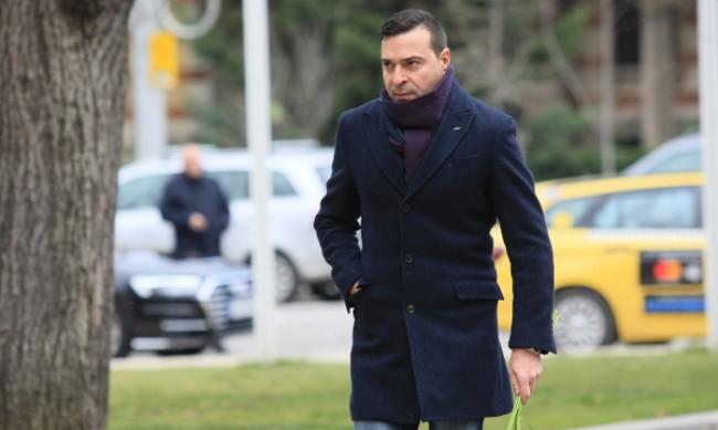 Болен адвокат отложи делото за побоя над Слави Ангелов