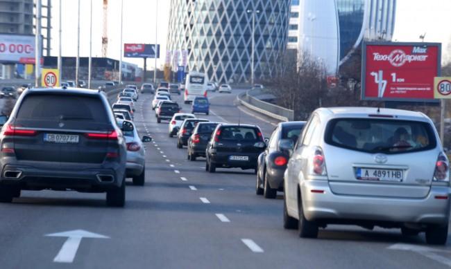 Влизат в сила новите екостикери на автомобилите