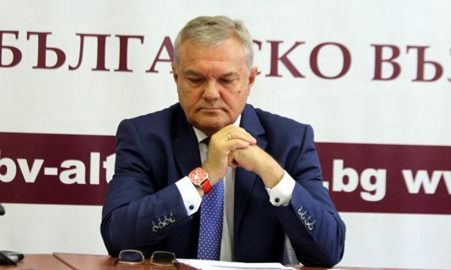 Румен Петков за Слави: Неприлична е заявката, че ще прави кабинет сам