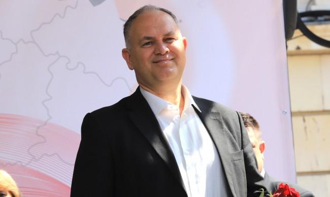 Кадиев: Няма да подкрепим правителство, което не разговаря с нас