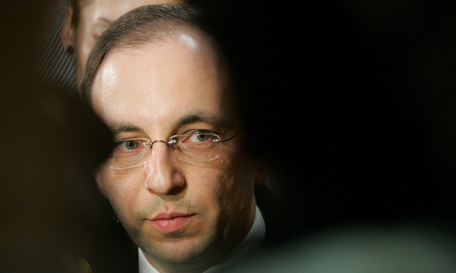 """Слави си иска изчегъртването без да е на власт, какво постигна с кабинета """"на зелено""""?"""