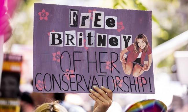 Бритни Спиърс вече има право да наеме свой, а не служебен адвокат