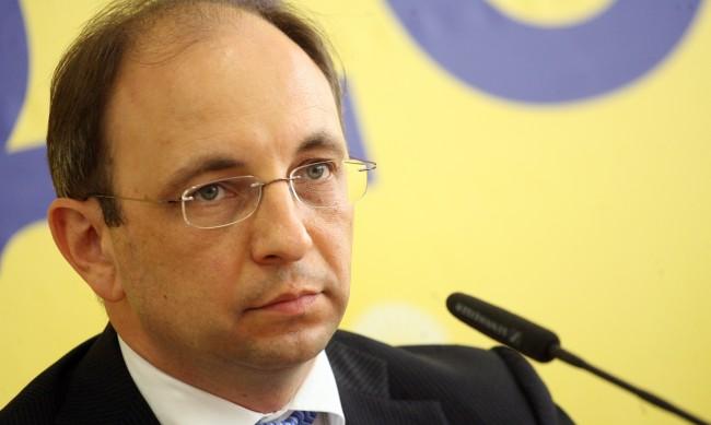 Слави Трифонов оттегли кандидатурата на Николай Василев за премиер