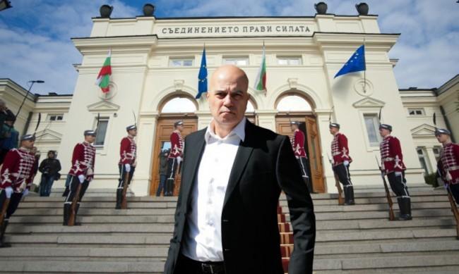 Експерти: При трети избори - губещи са ИТН, печели Борисов