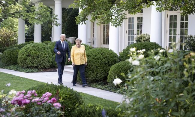 Меркел слиза от сцената: Какво ще прави канцлерката след последния си мандат?
