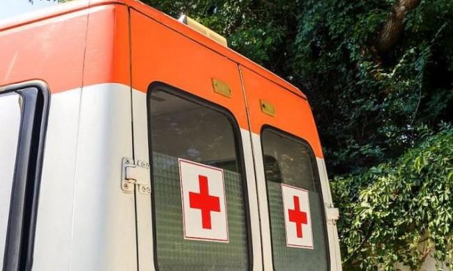 Верижна катастрофа: Камион удари две коли, мъж загина