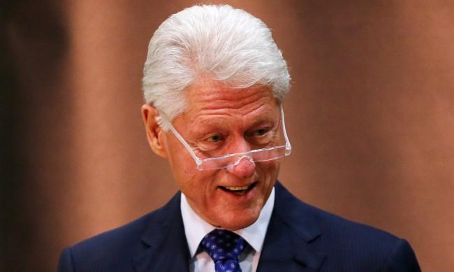 Бил Клинтън отказал среща с кралицата, за да е турист във Великобритания
