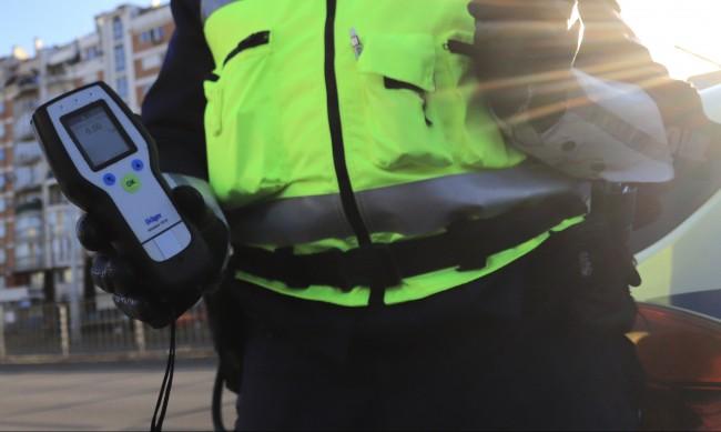 Задържаха пиян шофьор с 3 промила, карал пред полицията