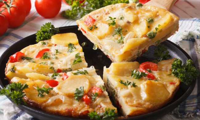 Рецептата Dnes: Омлет с картофи и шунка