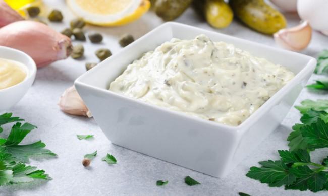 Рецептата Dnes: Разядка със сирене и кисели краставички