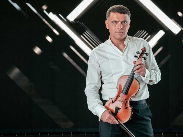 Цигуларят Васко Василев, заедно с родения в Палма професор по