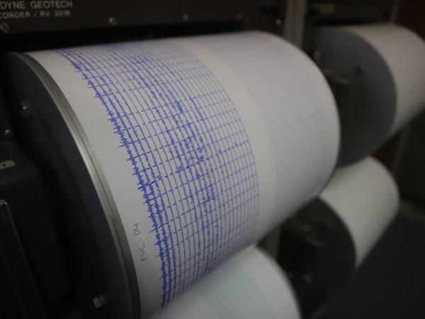 Четирийсет и седем земетресения са станали само за час днес