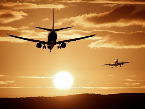 Правилата за пътуване със самолет покрай пандемията правят някои хора
