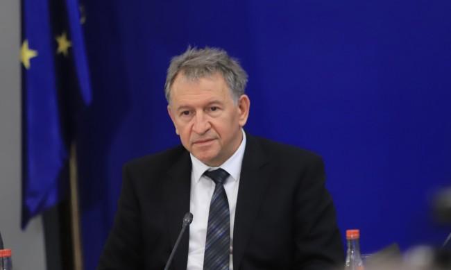 Кацаров разпореди РЗИ да свикат областните кризисни щабове