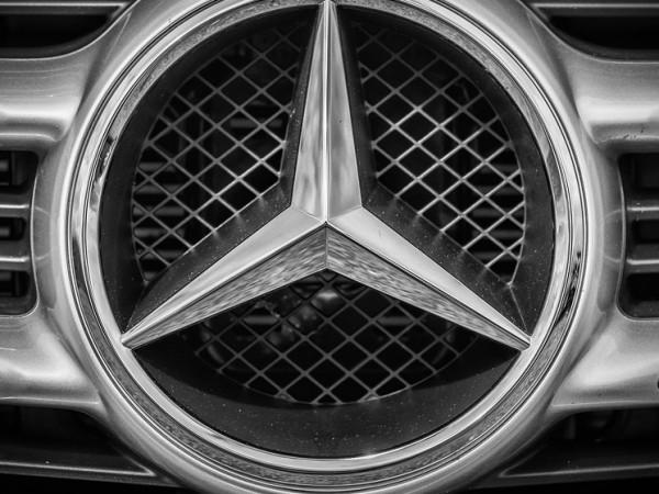 Немската компания Mercedes-Benz на Daimler AG обеща да инвестира повече