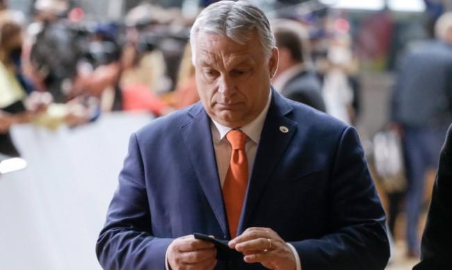 Унгария също въвежда задължителна ваксинация за медиците