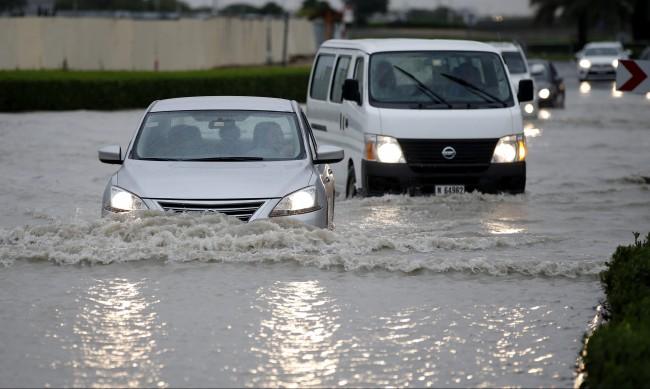 Ще ни спаси ли изкуственият дъжд от сушата?