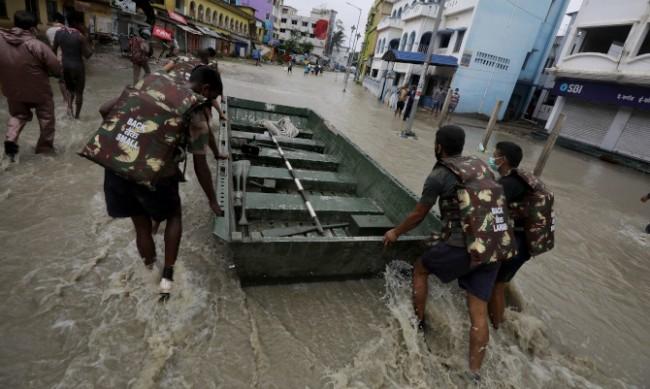 Свлачища в Индия взеха 36 жертви