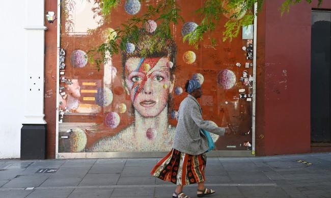Жената на Дейвид Боуи продаде апартамента му в Манхатън