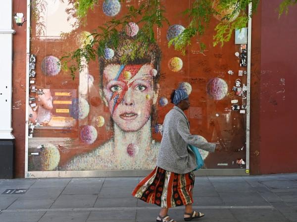 Апартаментът на Дейвид Боуи в центъра на Манхатън, който той