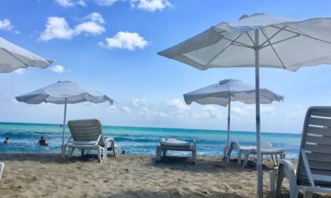 Бой за място и чадър на плажовете по Южното Черноморие