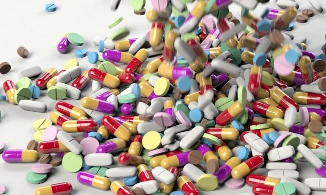 Лекарство срещу  COVID-19 можело да има през есента