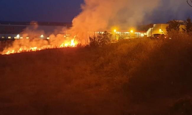 Овладян е големият пожар в Сакар планина
