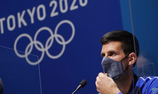 Джокович и Медведев започнаха с победи в Токио 2020