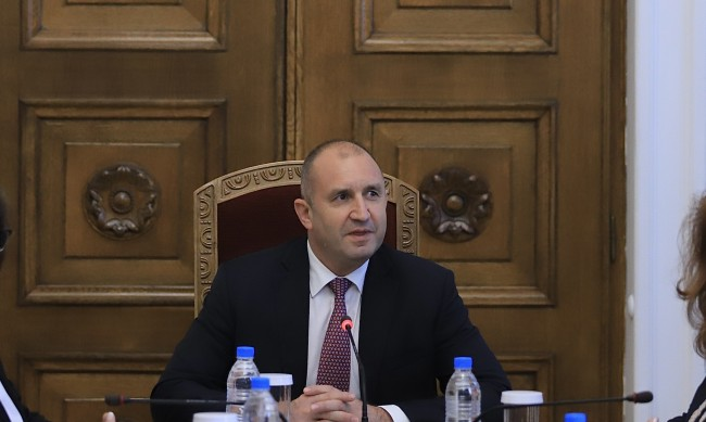 Радев: Ще връча мандата, когато партиите са готови